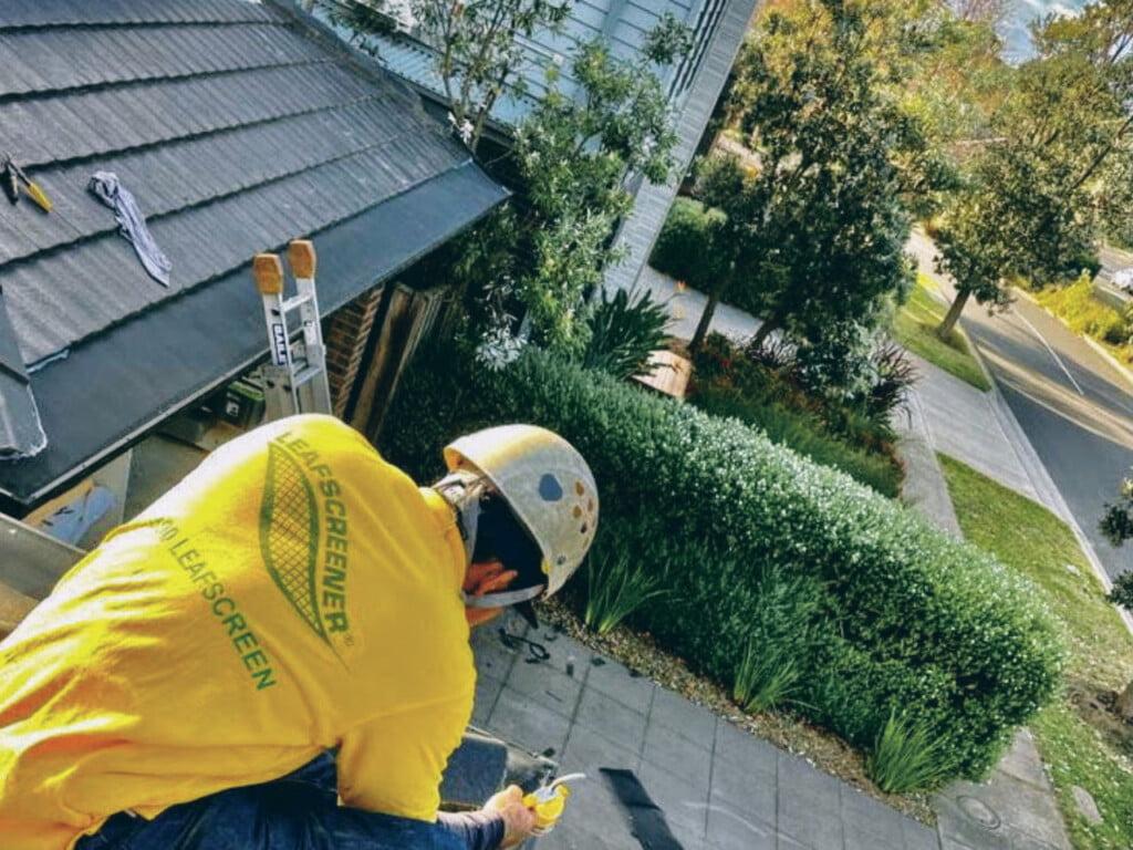 Repairing gutter guard